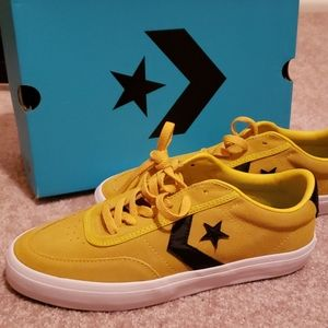 Sz.9 sulfur Converse Courtlandt OX new with box